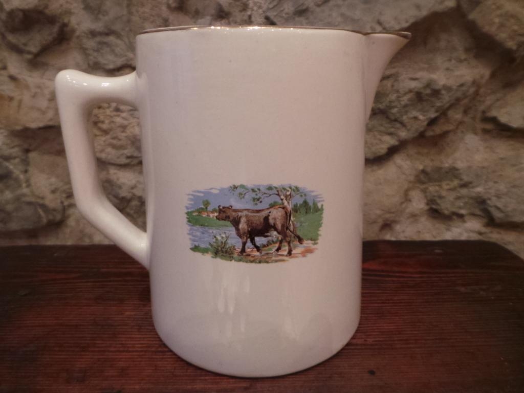 Pichet pot a lait ancien decor vache noire chalet montagne for Vache decorative interieur